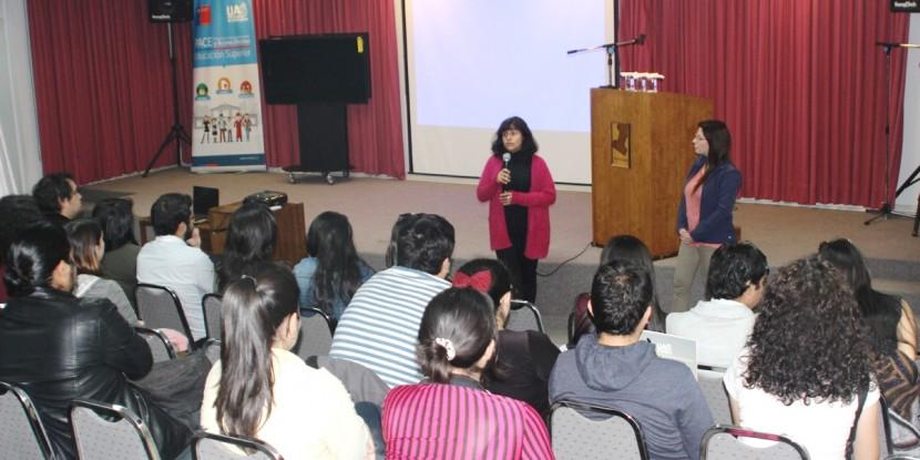 Futuros profesores se acercan a educación municipal