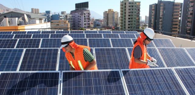 UA ingresa de lleno al Clúster Solar Antofagasta