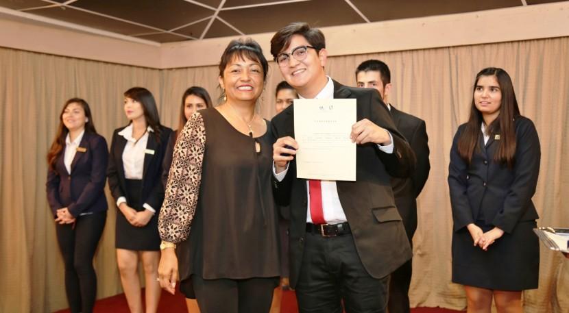 Estudiantes de Trabajo Social recibieron sus grados académicos de licenciados