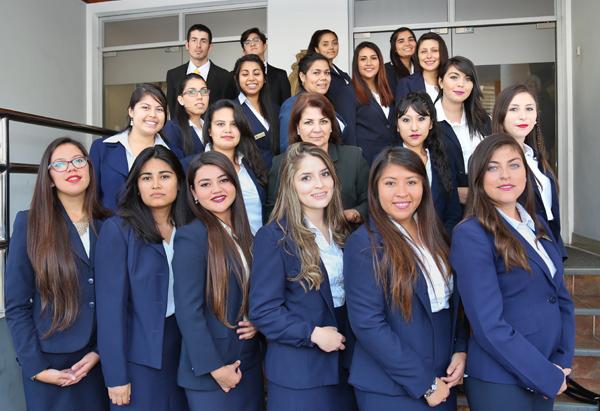 21 estudiantes recibieron su licenciatura en Trabajo Social