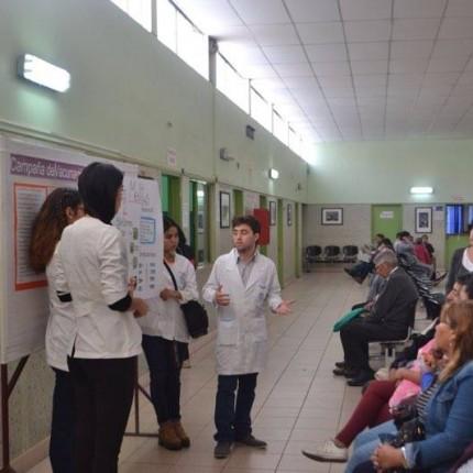 Alumnos de IV año de medicina enseñaron sobre Diabetes Melitus Tipo 2 en Policlínico del HRA