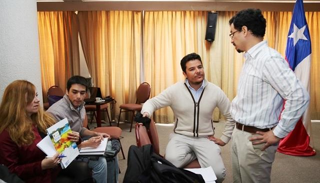 Académicos e investigadores participan en charlas de innovación