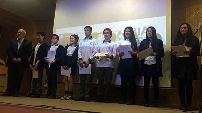 Departamento de Idiomas UA terminó exitoso proyecto con escolares de Chiloé