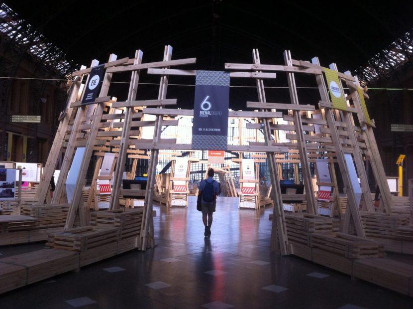 Académico UA participó en gran encuentro del diseño