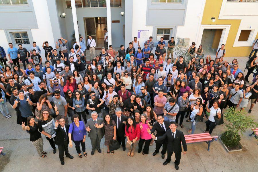 220 estudiantes comenzaron sus clases en CCT-UA