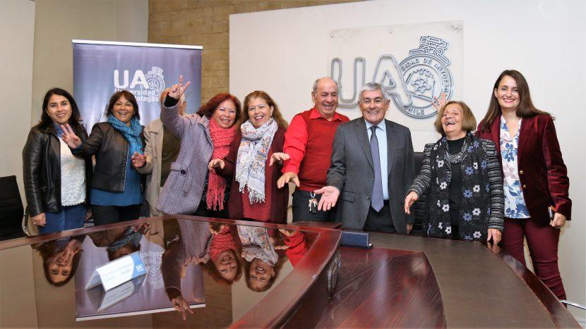Odontología UA se vincula con Juntas de Vecinos