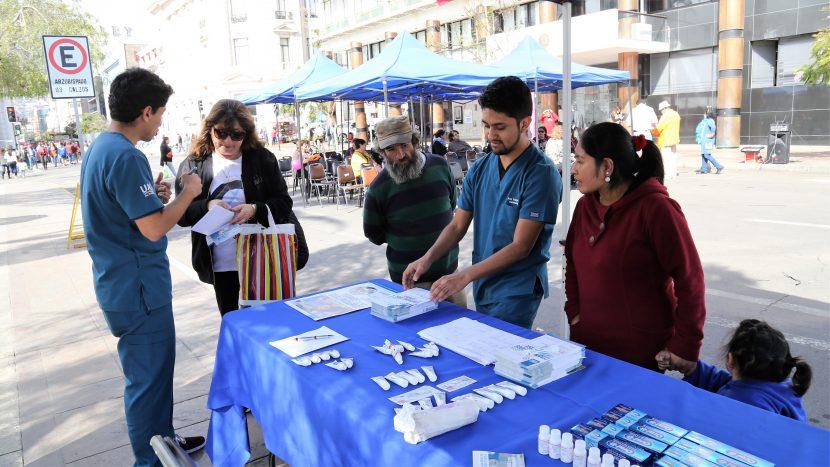Odontología UA presente en Día Nacional contra el abuso al adulto mayor