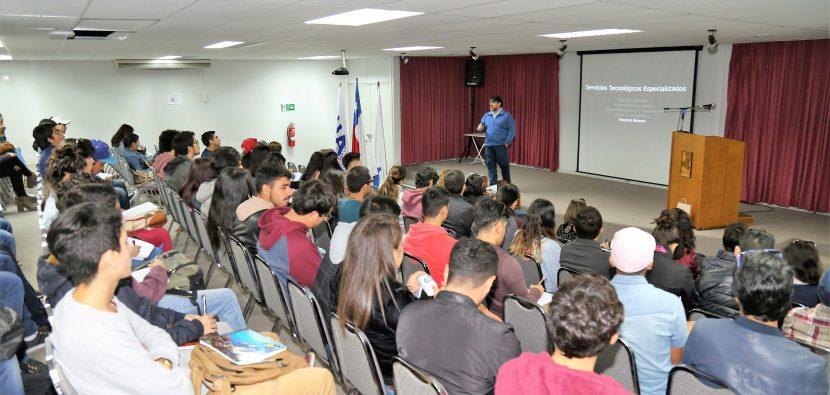 Ingeniería Civil Industrial amplia la visión de sus alumnos