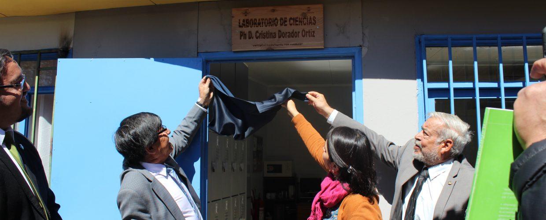 Inauguran Laboratorio de Ciencias con el nombre de Doctora Cristina Dorador