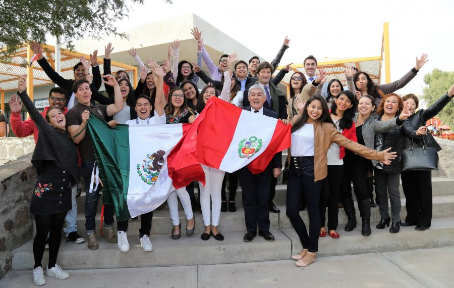 20 alumnos extranjeros inician semestre académico en la UA