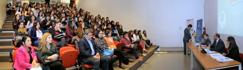 Charla aborda el interés superior de niños en la legislación chilena