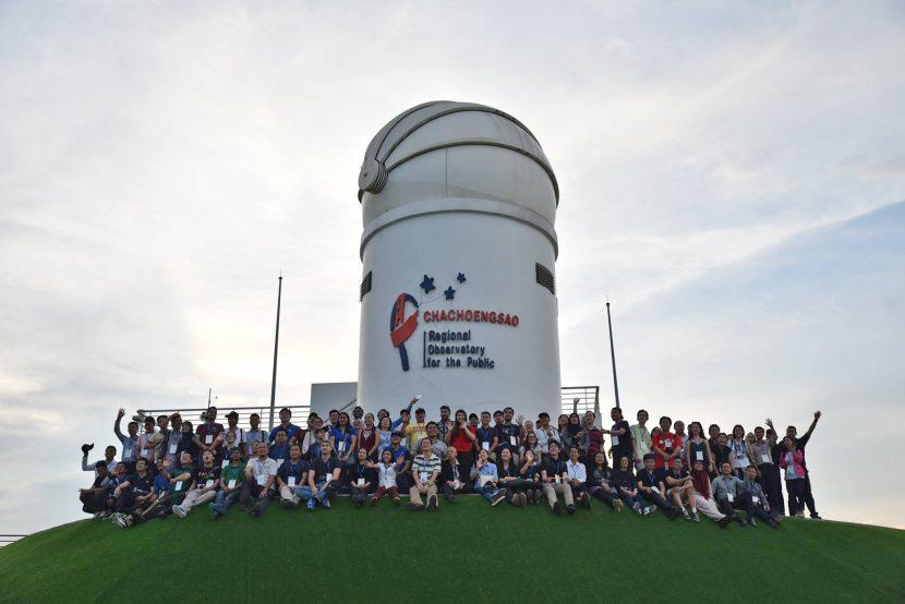 Astrónomo UA representó a Chile en Tailandia